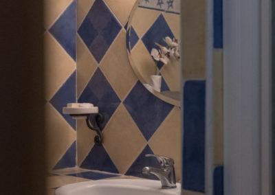 Le Mas Fraissinet - salle de bains gîte Le Cocon(8) 72 DPI